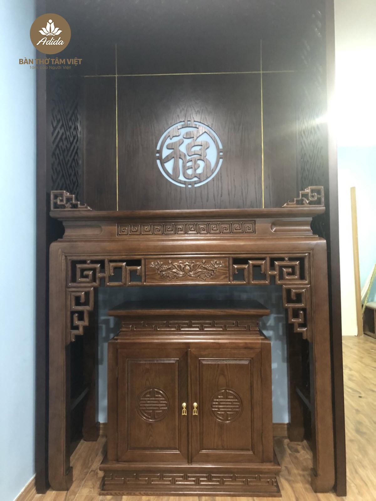 Mẫu bàn thờ đứng chung cư gỗ gụ hiện đại giá rẻ